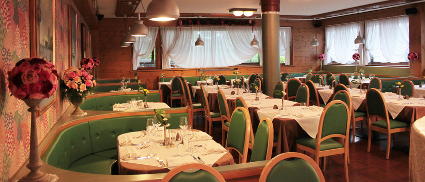 italy_cortina_d'ampezzo_hotel_majoni_restaurantjpg
